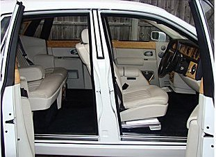 Rolls Royce Phantom Car - doors open